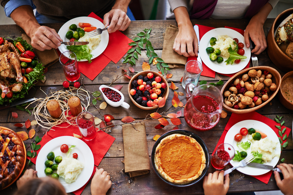 Healthy Holiday Eating Strategies: How to Eat Like You Love Yourself This Season